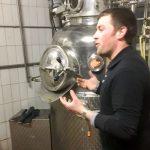 Kilian Moritz macht die Faszination des Schnapsbrennens erlebbar